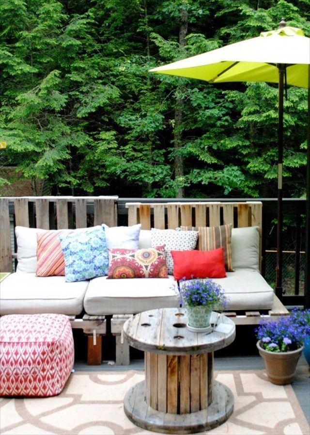 jardín con palets