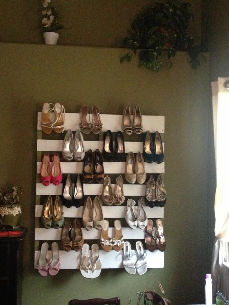 Zapatero de palets i love palets for Como hacer un mueble zapatero de madera