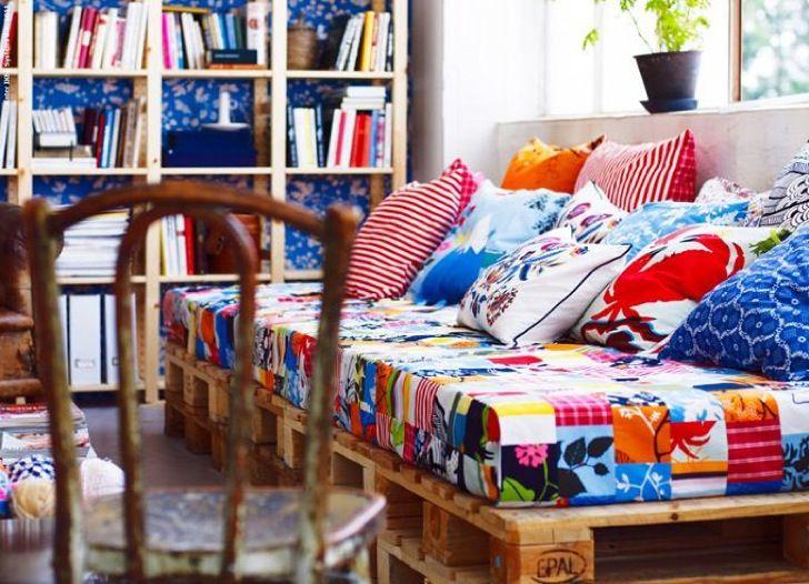 7 ideas de sof s con palets para el sal n i love palets for Decoracion de hogar barata