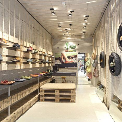 C mo decorar una tienda con palets i love palets for Interior design for shoes shop