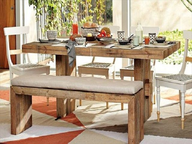 10 ideas de mesas de comedor hechas con palets i love palets for Sillas hechas de palets