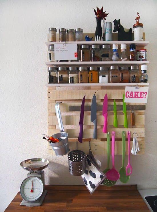 organizador de utensilios de cocina con un palet i love