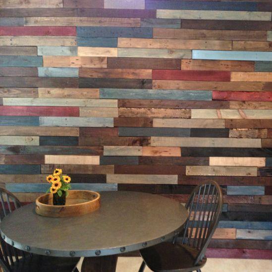 C mo hacer una pared de palets i love palets - Como hacer sillon de palets ...