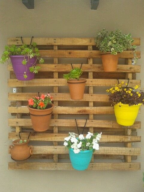 Un jard n de pared con palets i love palets for Paredes de jardin decoradas