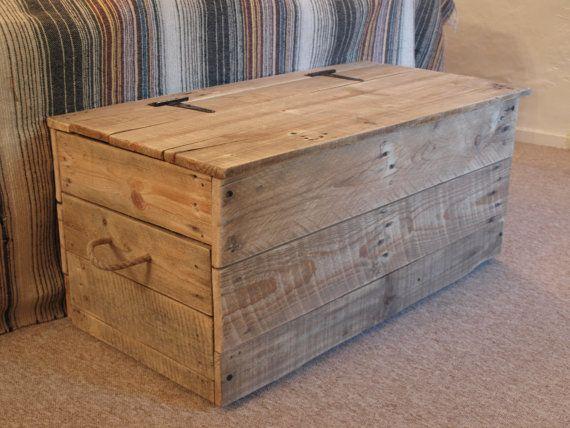 10 ideas de ba les de palets para almacenar tus cositas for Como reciclar puertas de madera