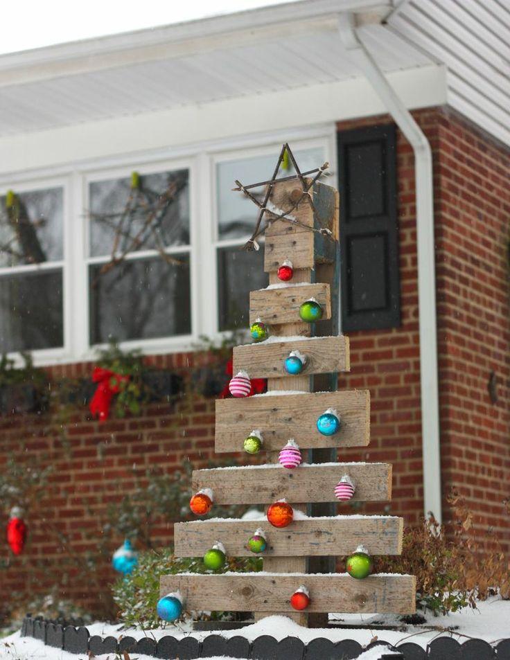 ideas para que puedas crear tu propio rbol de navidad con palets reciclados una alternativa muy econmica y muy original a la tpica estampa navidea