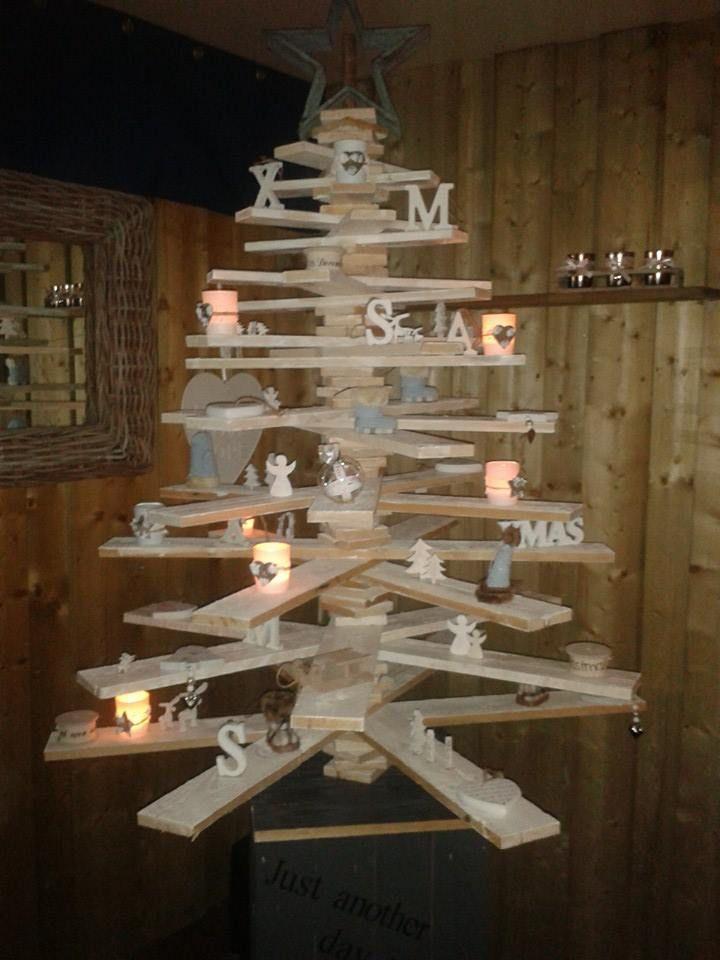 rboles de navidad muy econ micos y originales con palets On arbol de navidad con palets