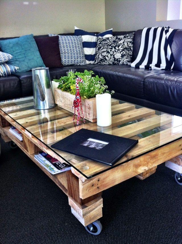10 propuestas de mesas de palet con ruedas i love palets - Mesa de palets ...