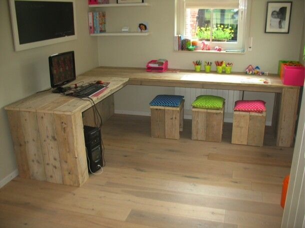 Una habitaci n con muebles de palets para ni os i love palets - S van de bureau ...