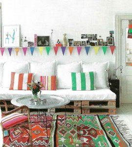 espacios con palets coloridos
