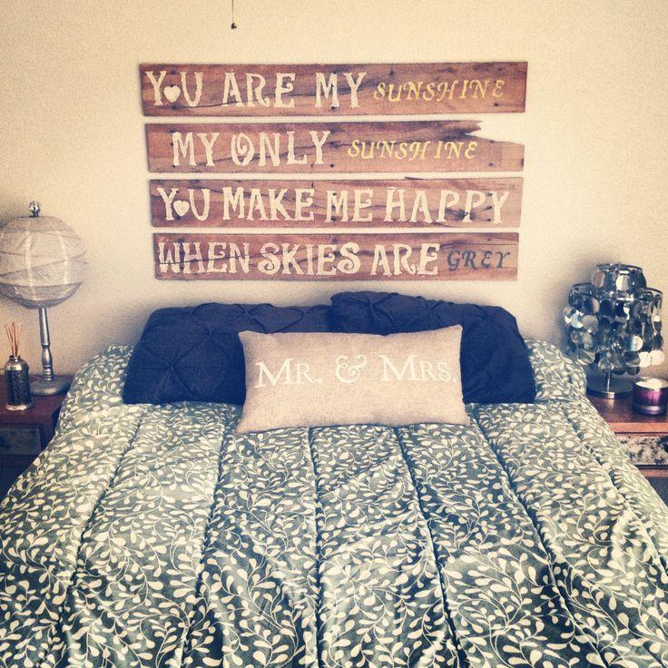 Cabeceros de cama de palets con mensaje i love palets - Como decorar cabeceros de cama ...