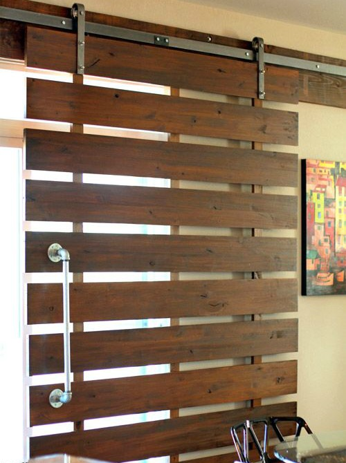 8 puertas espectaculares hechas con madera de palet i for Puertas de fierro interiores