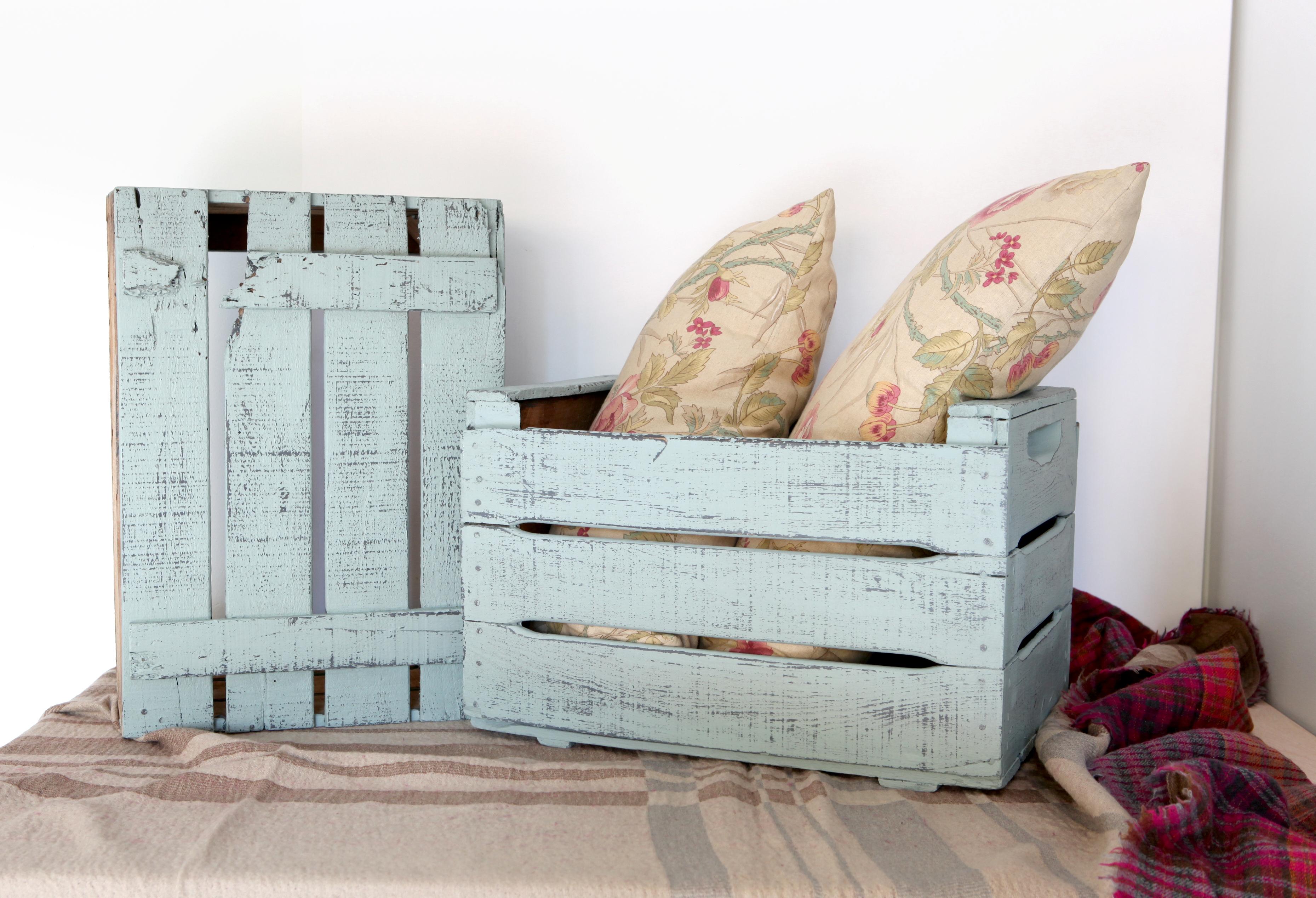 C mo dar un toque envejecido a cualquier mueble de palet i love palets - Como decapar un mueble en blanco ...