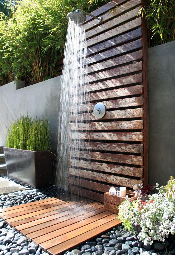 5 duchas de exterior de palets que te enamorar n i love - Duchas exteriores para piscinas ...