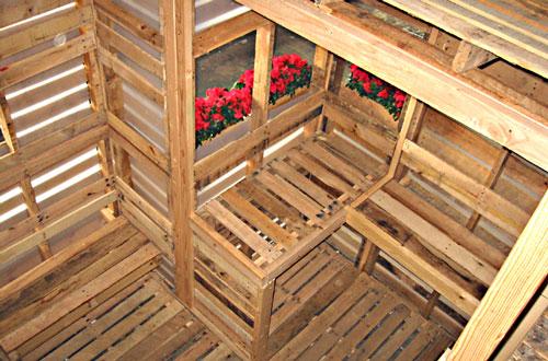 Una casa construida en su totalidad con palets i love palets - Casas con palets de madera ...