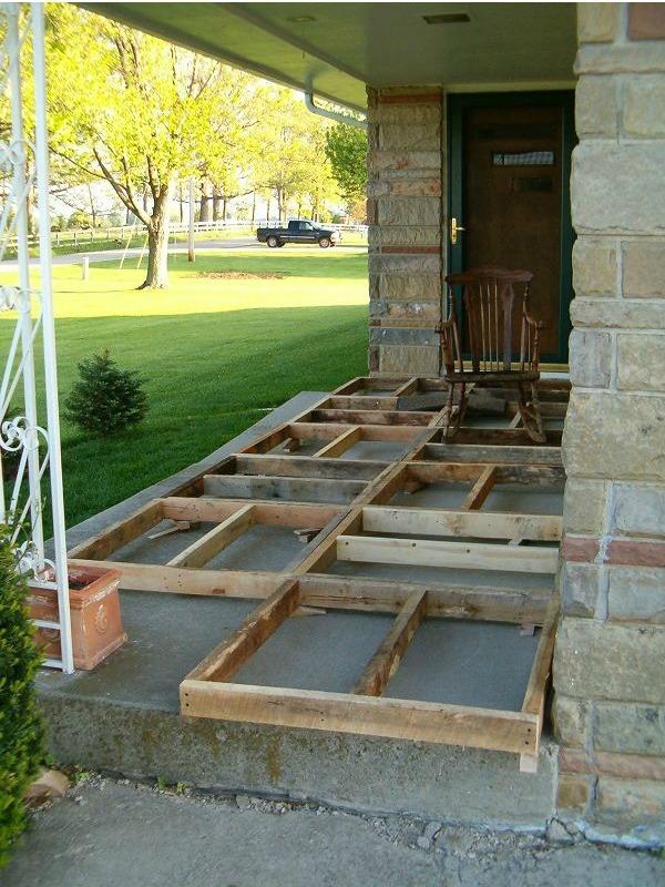 C mo hacer un suelo con madera de palets en el porche i - Como hacer un porche barato ...
