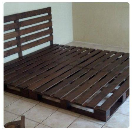 C mo hacer una cama de matrimonio con palets i love palets for Bases de cama hechas con tarimas