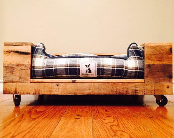 cama de palet para mascotas