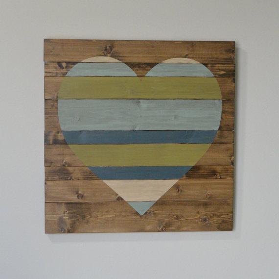 cuadro con palets de corazón