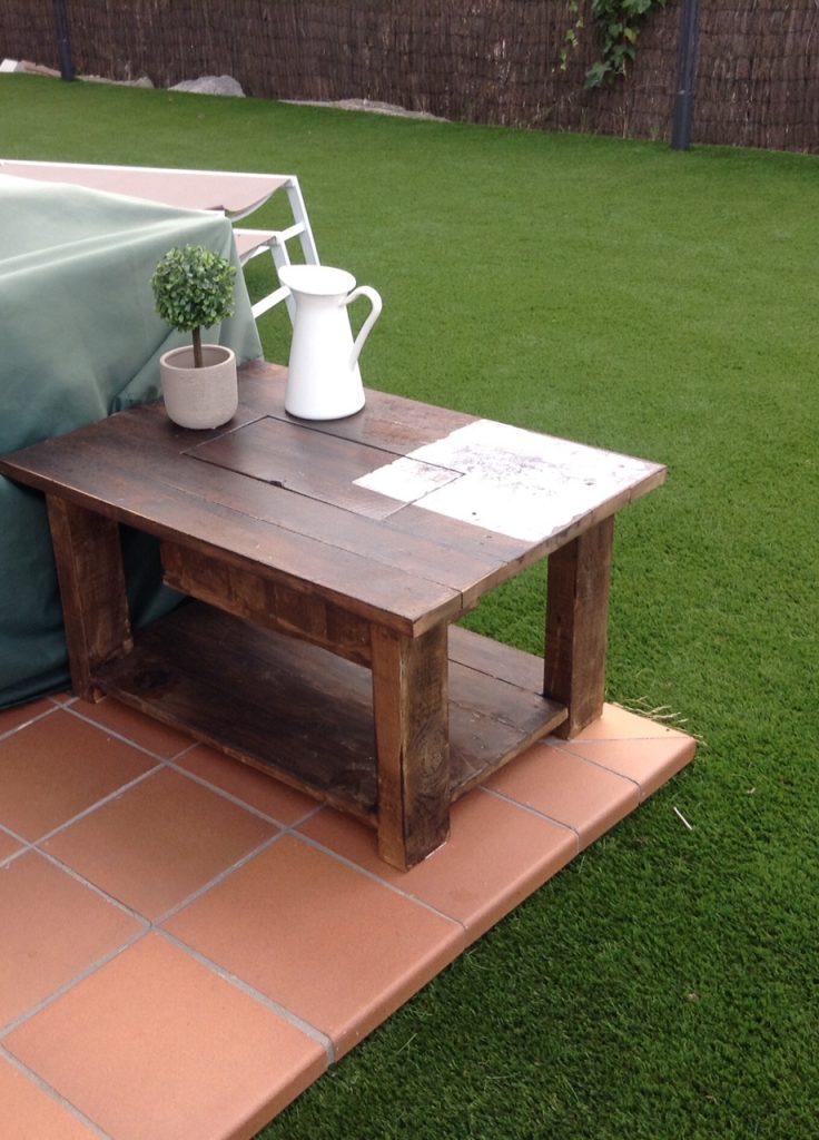 mesa con cubitera de palet