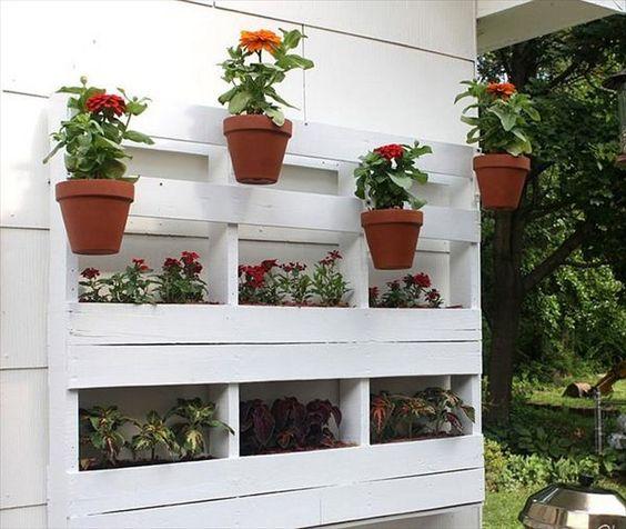 Prep rate para la primavera con estos jardines de palets for Jardineras de hormigon baratas