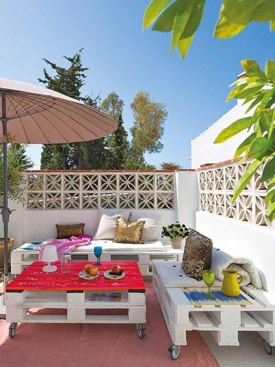 Rincones de palets para la terraza con mucho estilo i for Muebles con palets para terraza