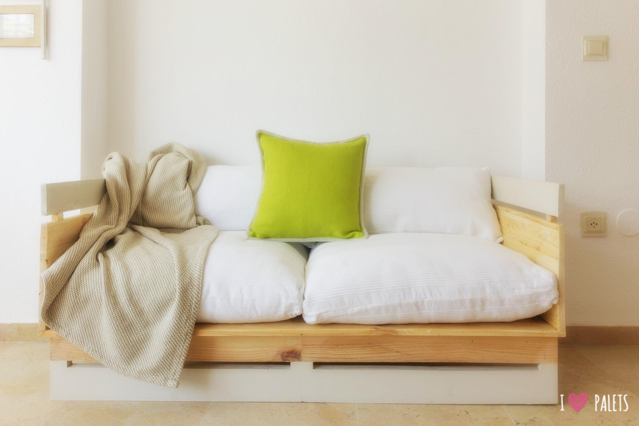 sofá retro de palets