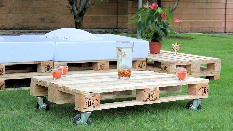 Conjunto chill out de palets para una estupenda terraza for Sofas con palets para jardin