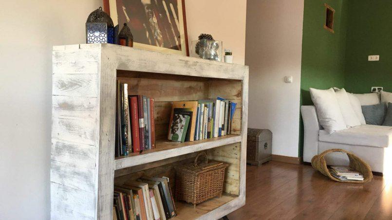 I love palets ideas con palets buenas bonitas y baratas for Librerias salon baratas