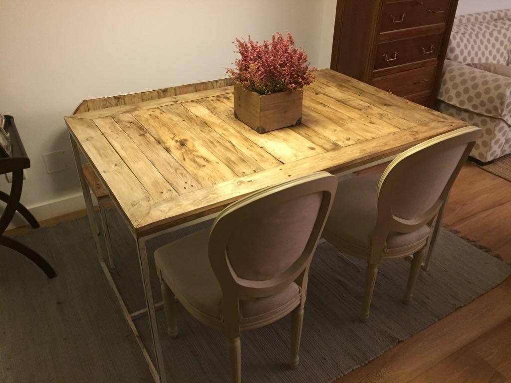 Una mesa y un banco de palets y hierro para el comedor i for Banco para mesa de comedor