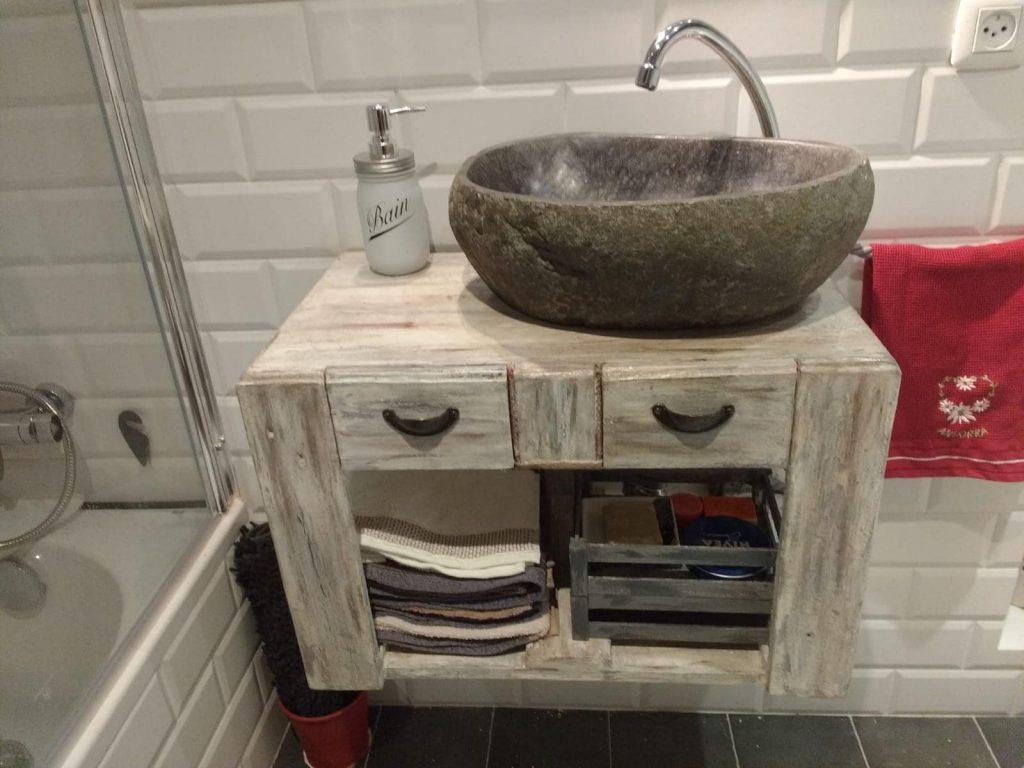 mueble de lavabo con palets