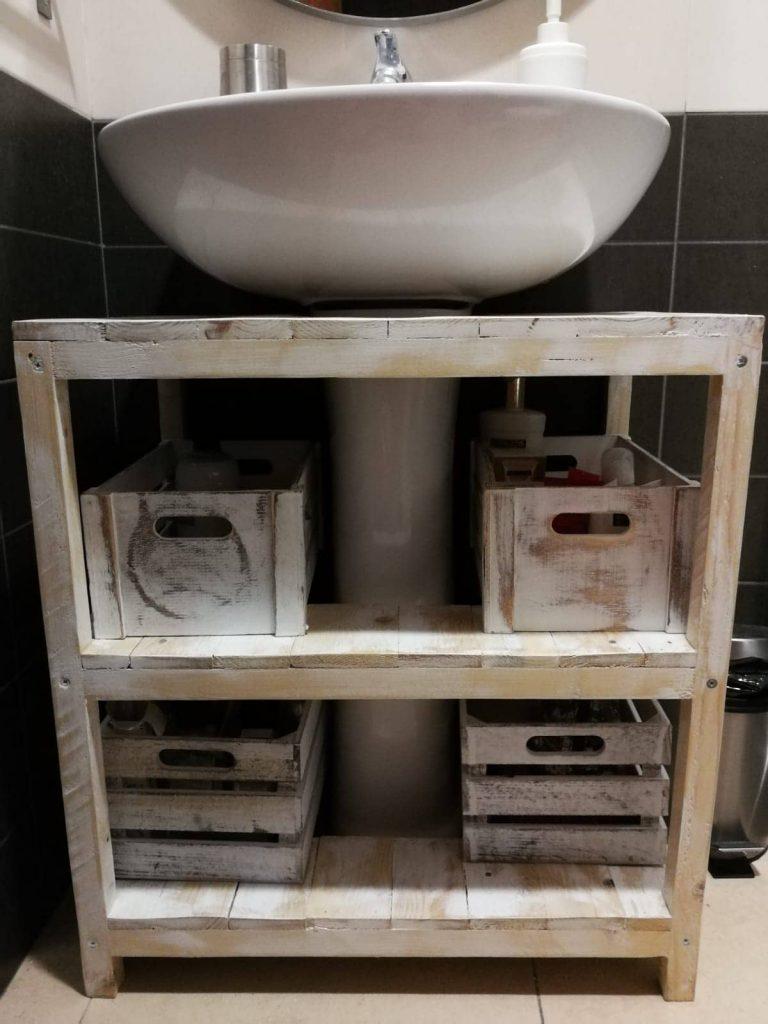 mueble con palets rústico para el lavabo