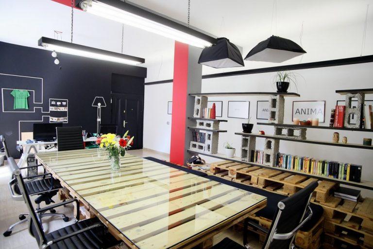 decorar una oficina con palets