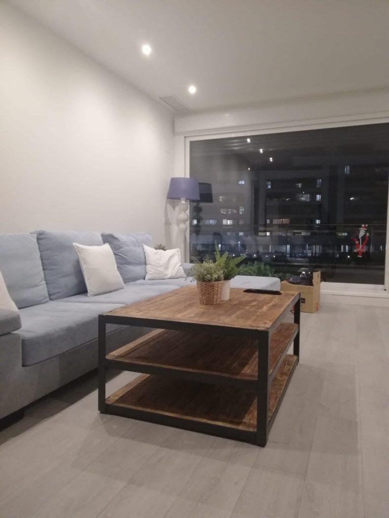 mesa de salón maciza