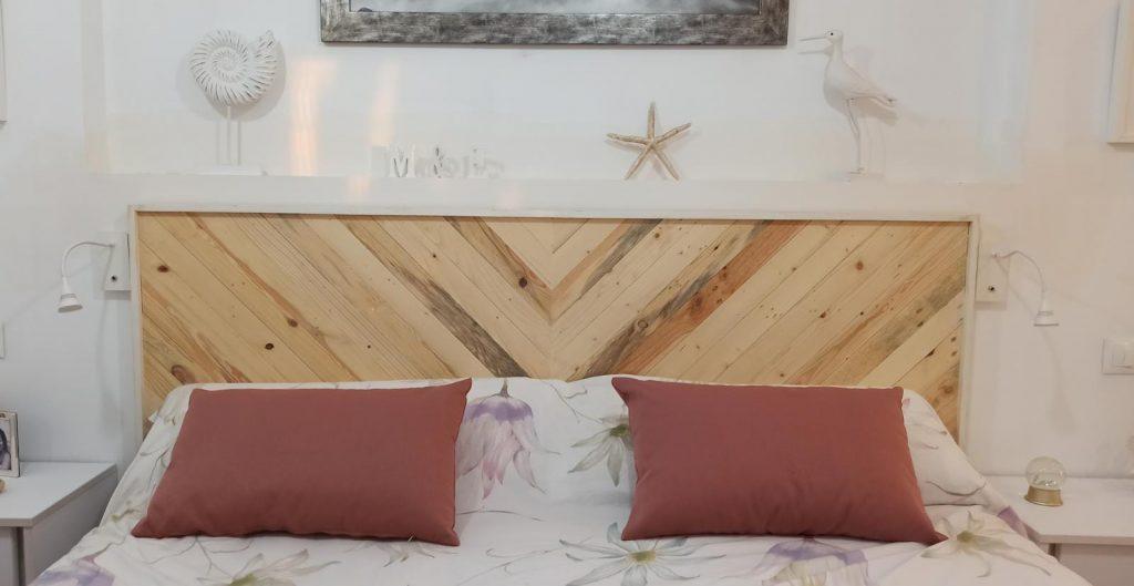 cabecero de madera con marco