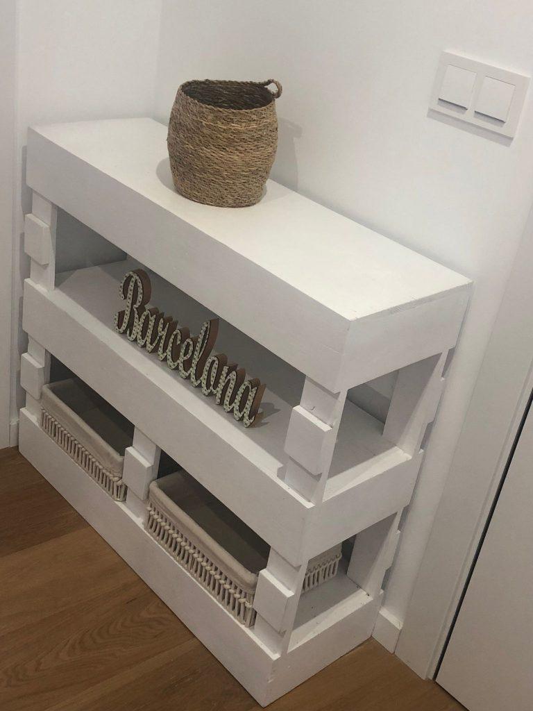 mueble recibidor estrecho